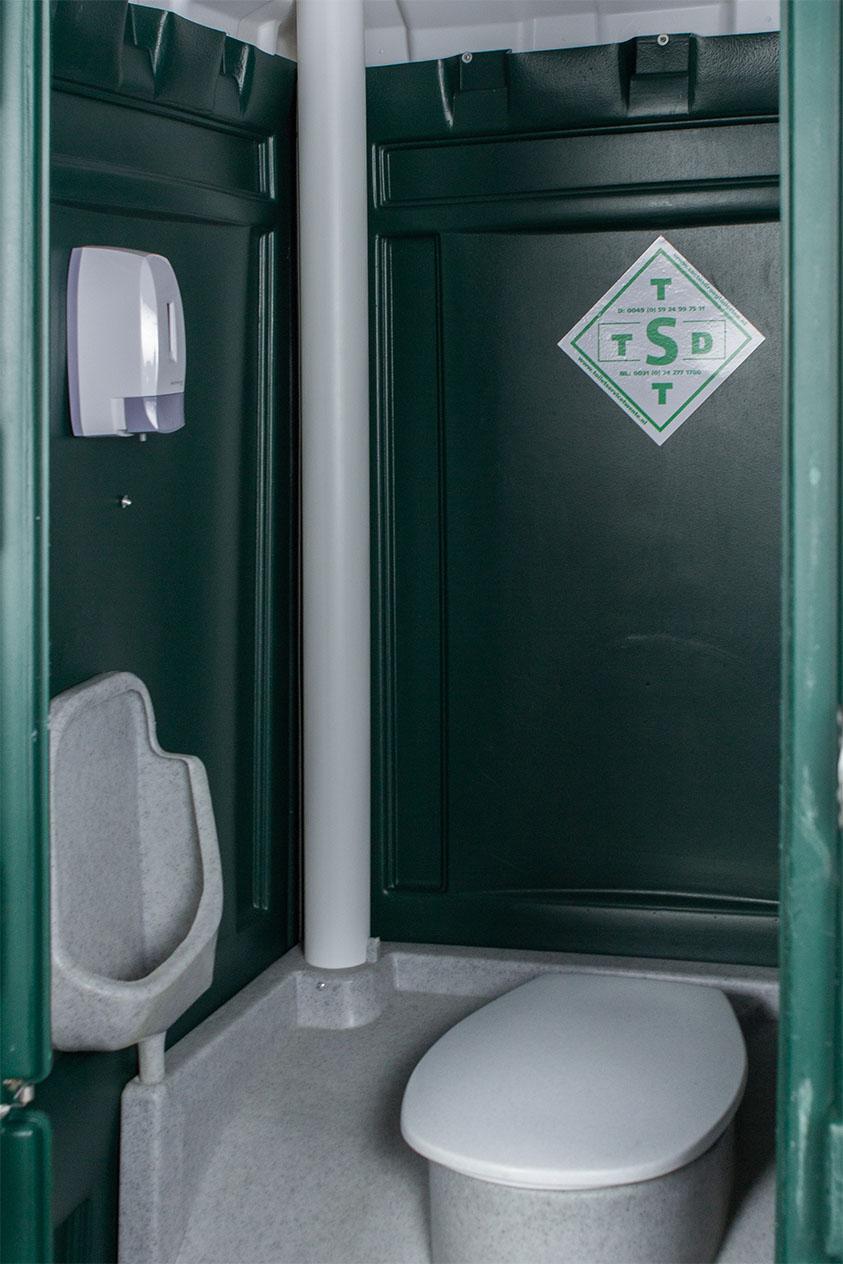 Mobiele toiletcabine binnenkant zeep